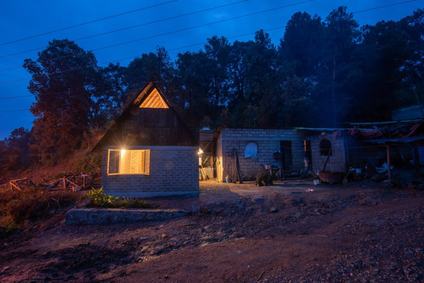 Housing in Ocuilan by Rozana Montiel