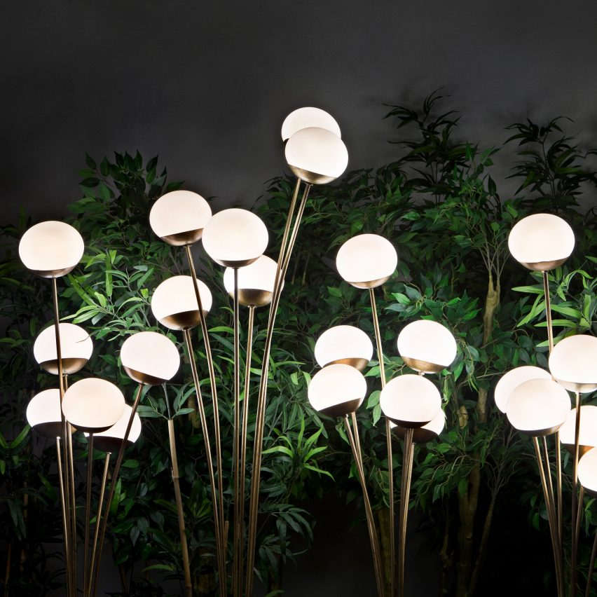Outdoor furniture: Mazzo di Fiori floor light by Massimo Castagna for Exteta