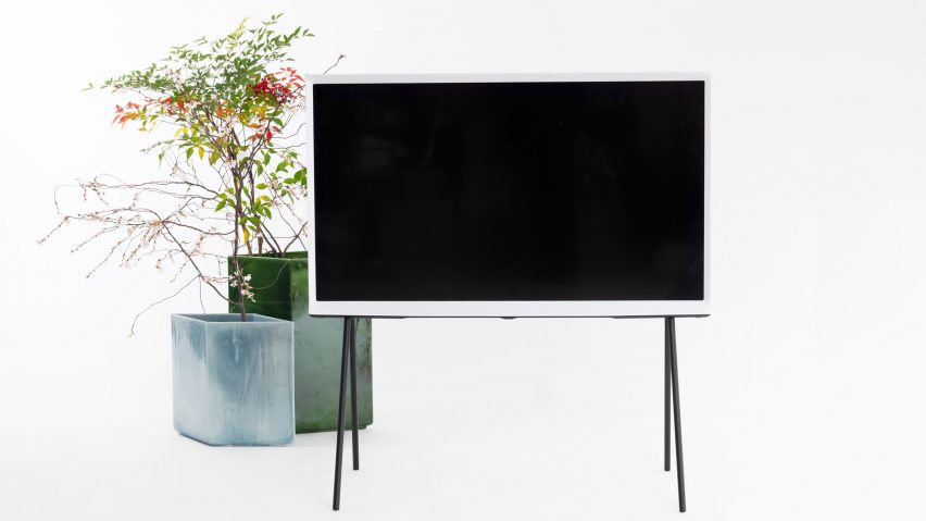 Panasonic Tv Meubel.Bouroullec Brothers Enlarge Serif Tv For Samsung