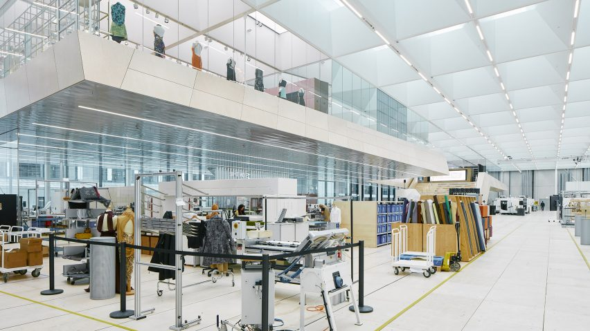 Swarovski factory: Swarovski Manufaktur by Snøhetta in Wattens, Austria