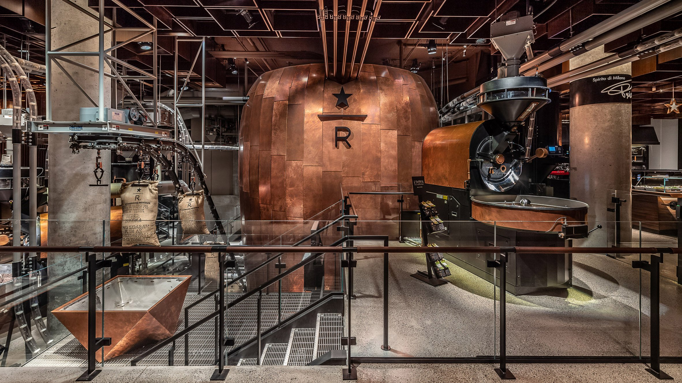 Starbucks Reserve Roastery Cafe Opens In New York S Meatpacking