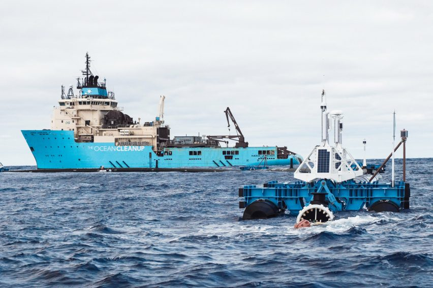The Ocean Cleanup System 001 in the Pacific Ocean