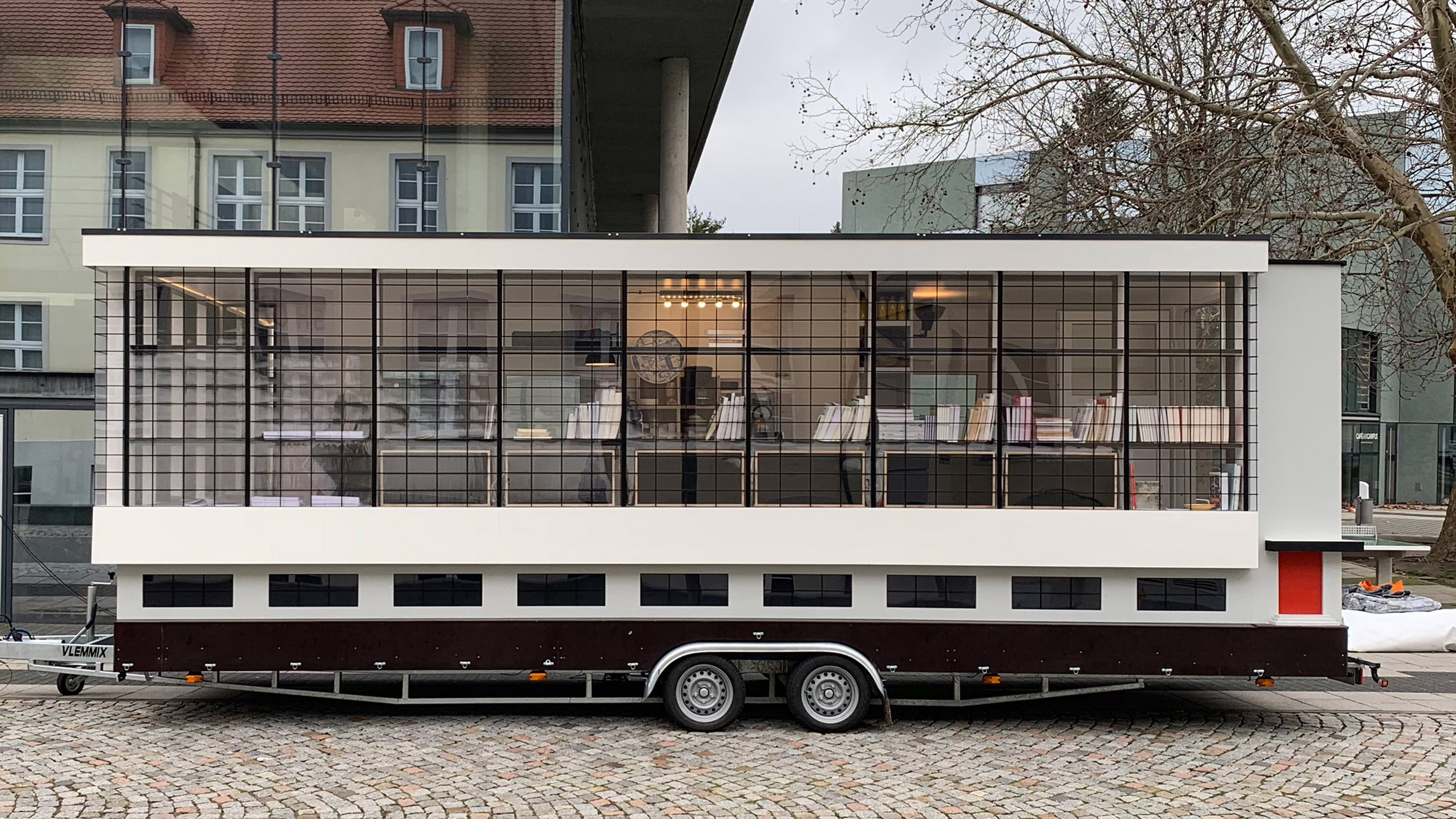 Travelling Bauhaus school