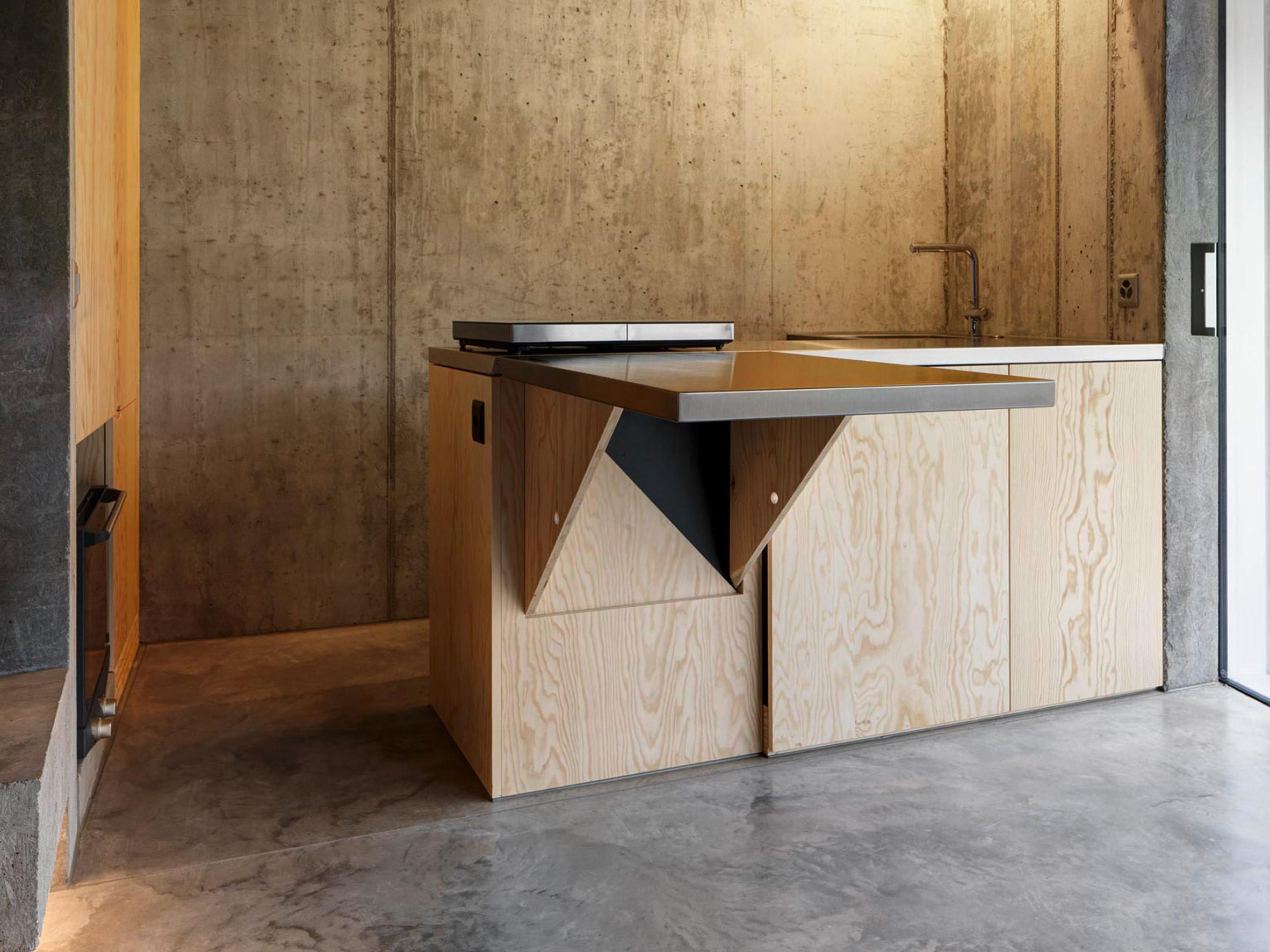 Gus Wüstemann affordable concrete housing in Zurich