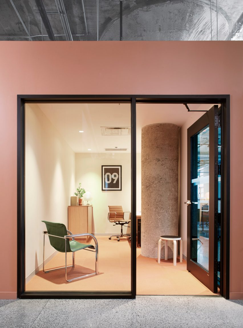 Executive Office in Agency 59 by MSDS Studio
