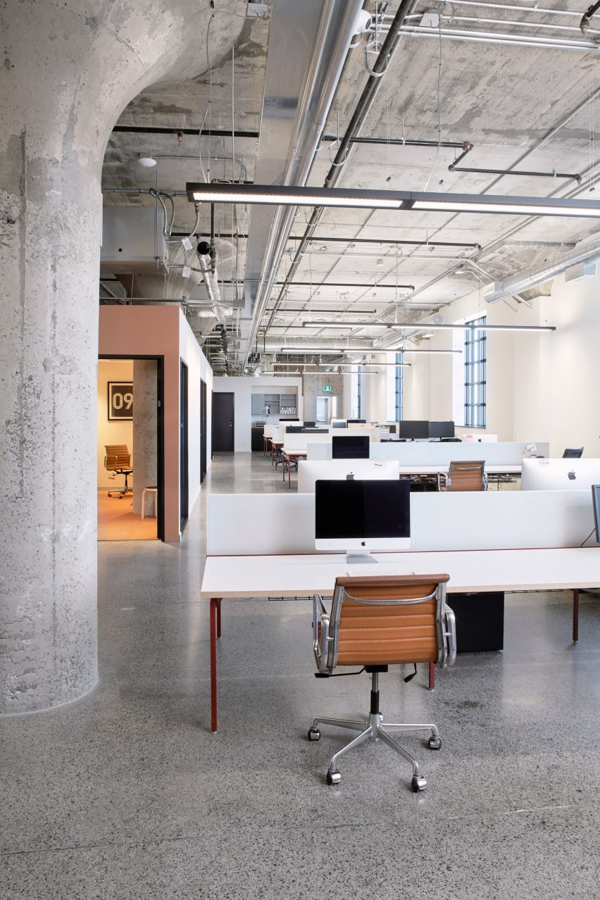 Workspace in Agency 59 by MSDS Studio