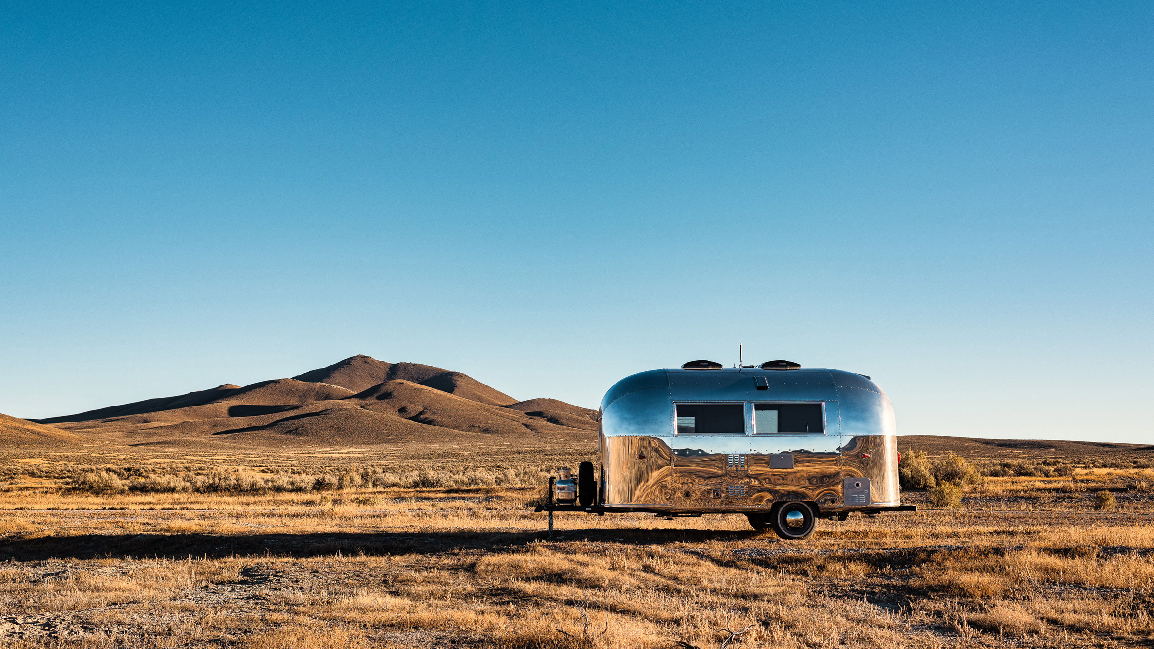 Vintage Airstream becomes mobile office for Silicon Valley
