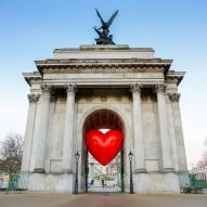 "Anya Hindmarch sends ""a love letter to London"" with Chubby Hearts installation"