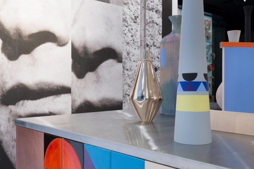 Instalación de Claudia Wieser's Shift para Bloomberg SPACE
