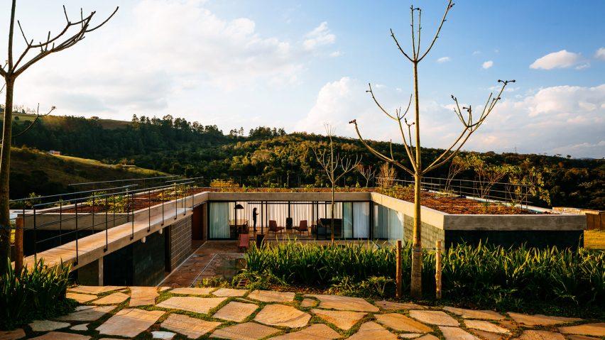 Casa Joao de Barro by Terra e Tuma