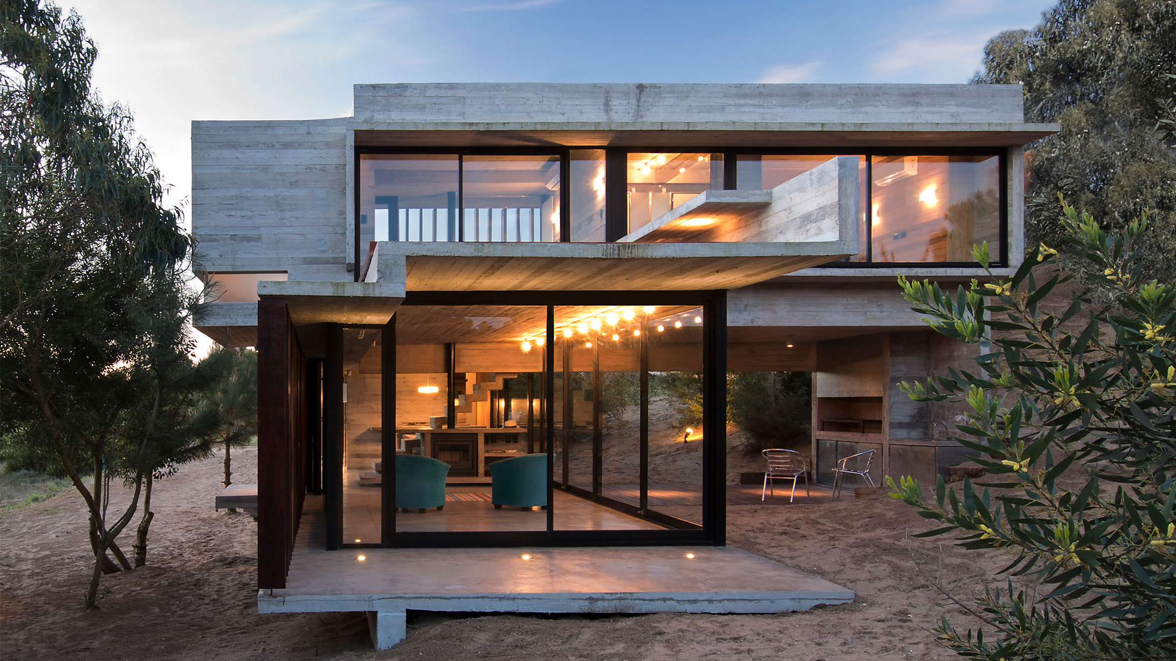 Casa MR concrete house by Luciano Kruk