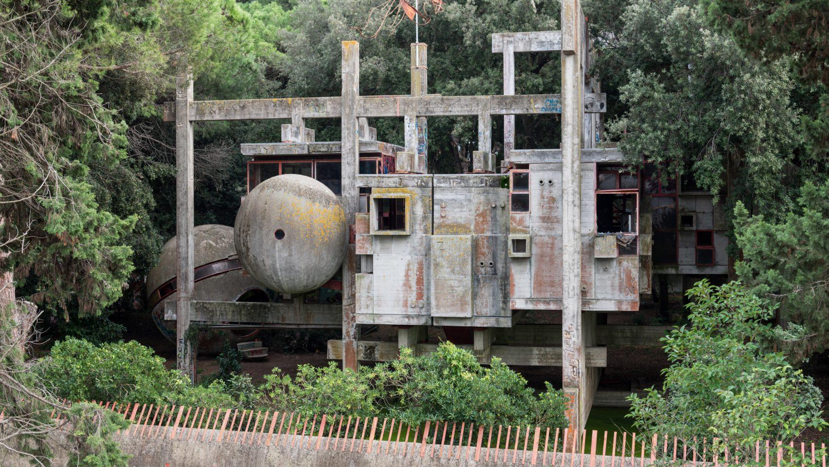 Заброшенный Casa Sperimentale