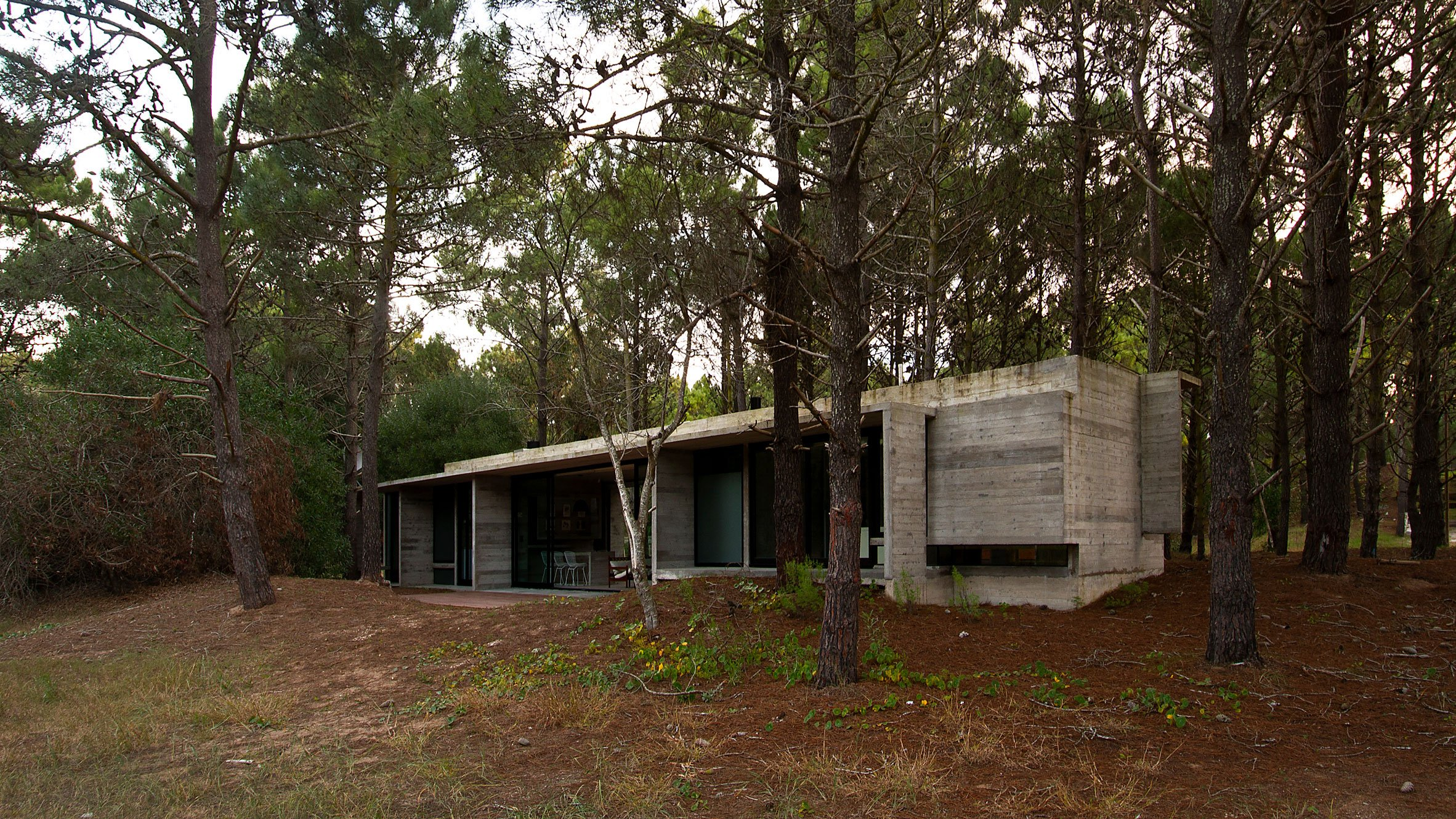 Casa SV concrete house by Luciano Kruk
