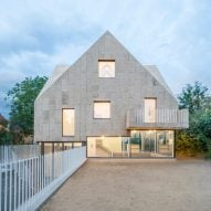 Rundzwei Architekten wraps Berlin house in cork