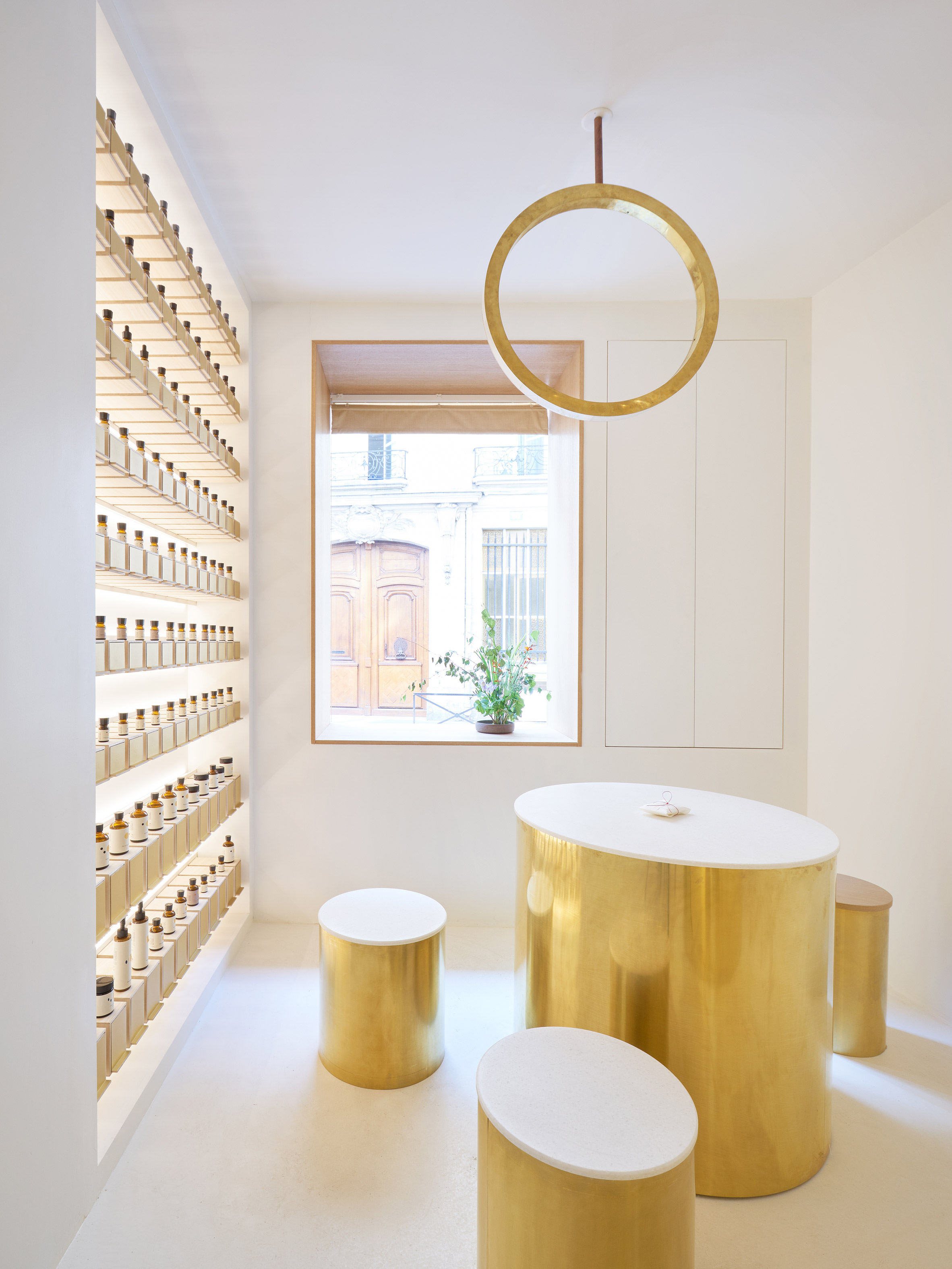 Interiors of En skincare store, designed by Archiee