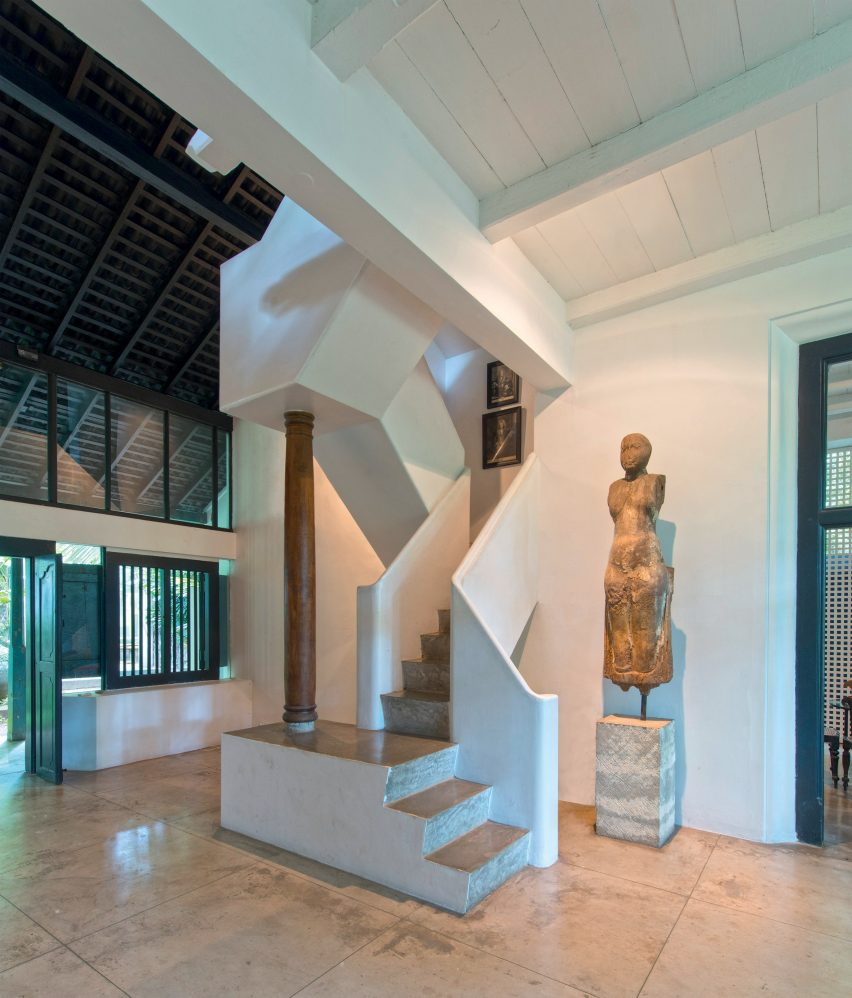 Geoffrey Bawa staircases: House for Lidia Duchini, Bentota, 1979