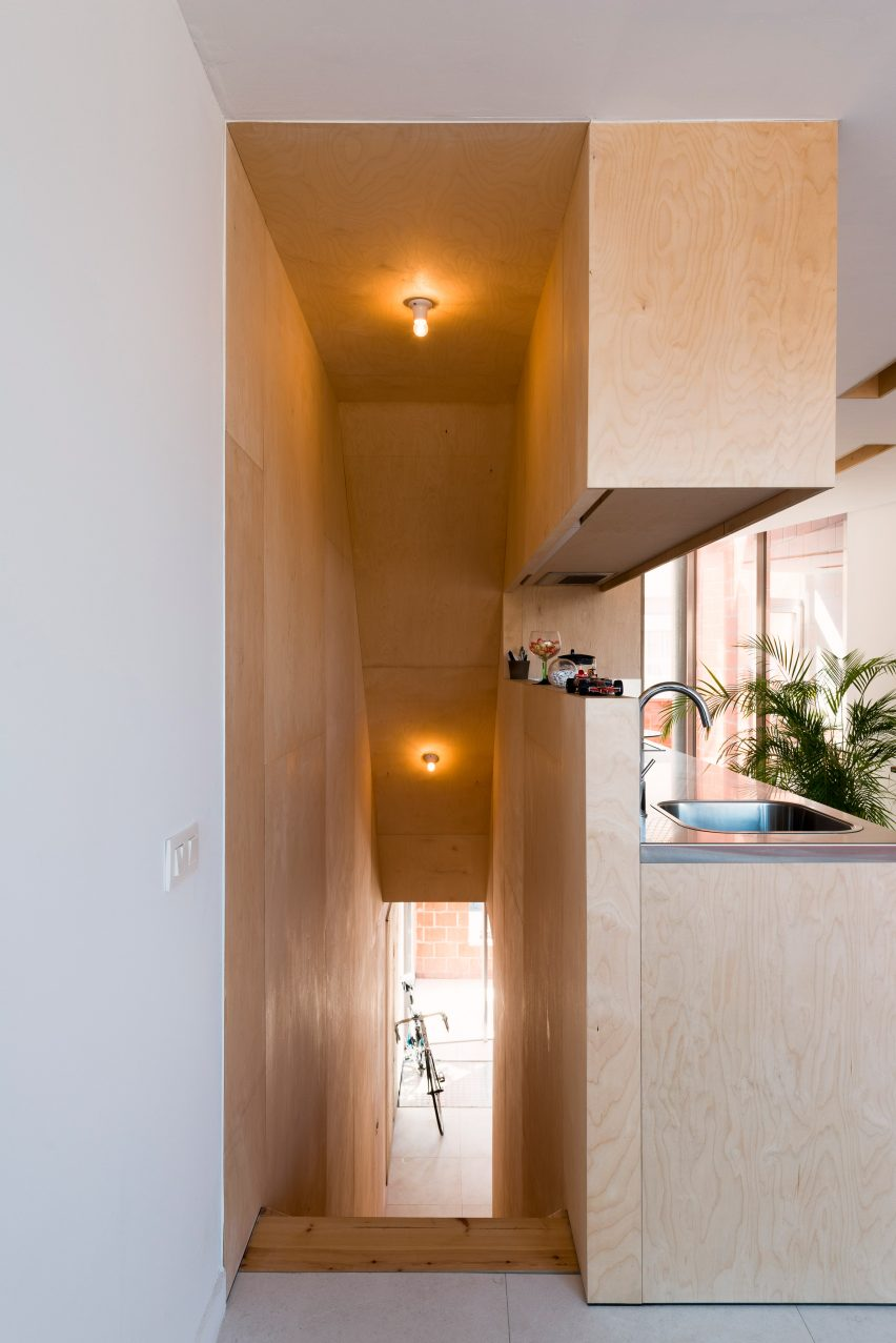 House SSK by De Baes Associates and Sophie van Noten