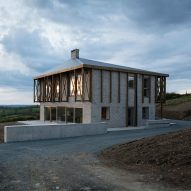 "TOB Architect builds ""deliberately unharmonious"" Killan Farmhouse"