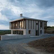 """TOB Architect builds """"deliberately unharmonious"""" Killan Farmhouse"""