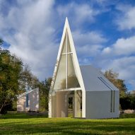 Pointed window fronts Lincoln Chapel by Studio 512 in Texas Hill Country