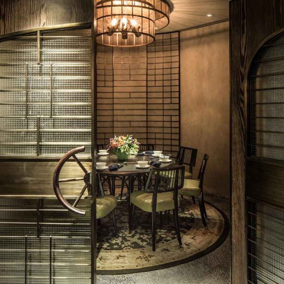 Chinese New Year: Mott 32 restaurant in Hong Kong by Joyce Wang