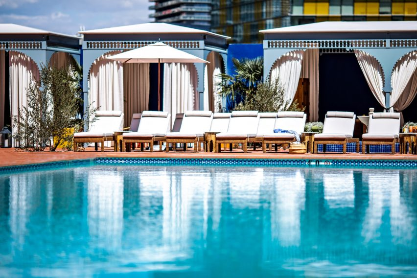 NoMad Las Vegas hotel swimming pool