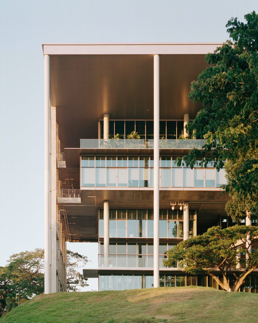University of Singapore's SDE4 building is a sustainable