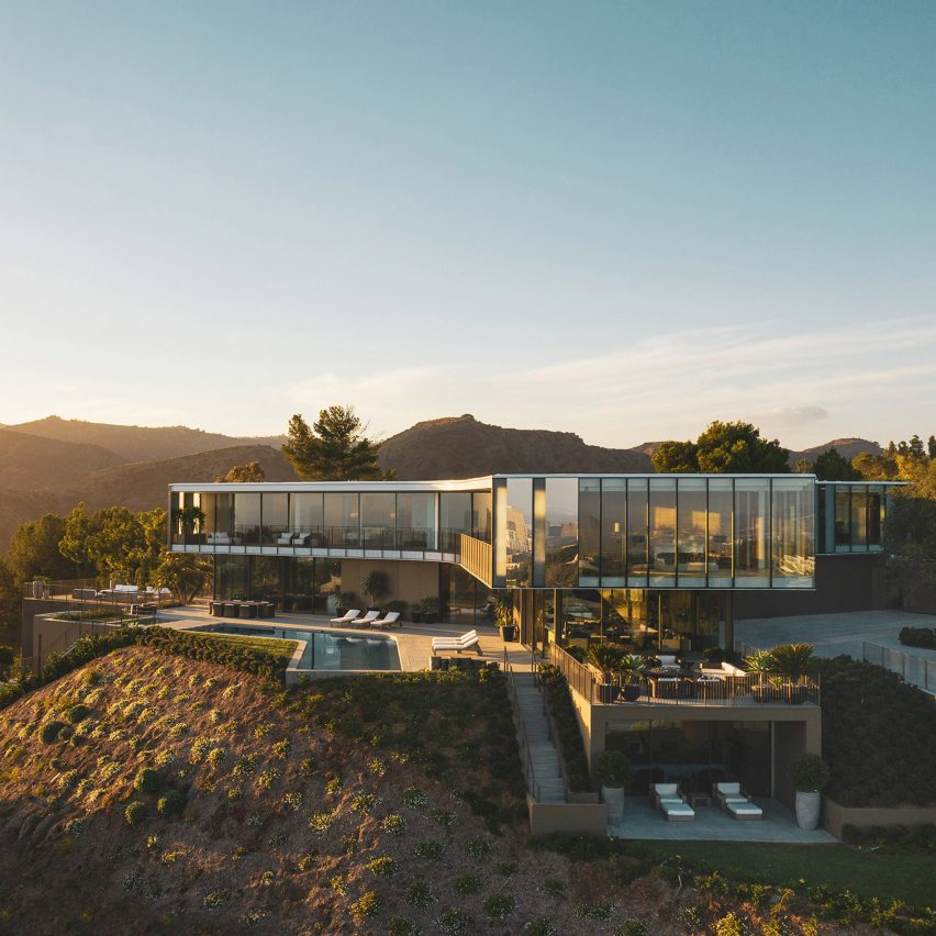 Three-pronged Orum Residence by SPF Architects offers sweeping views of Bel Air