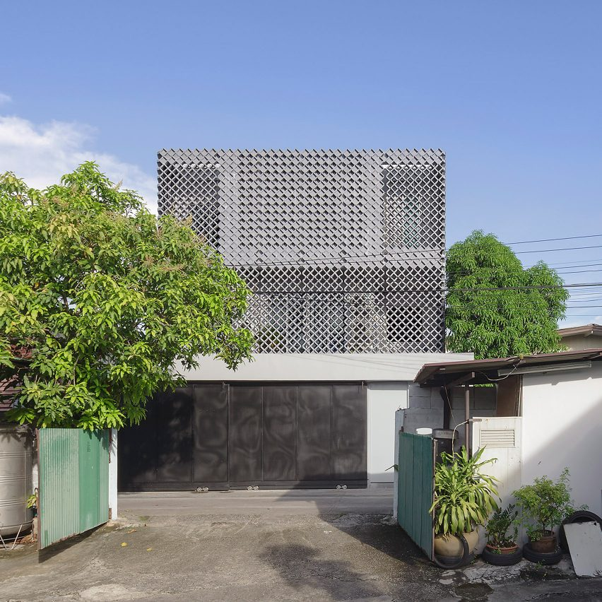 Concrete lattice screens Phra Pradeang House in Bangkok