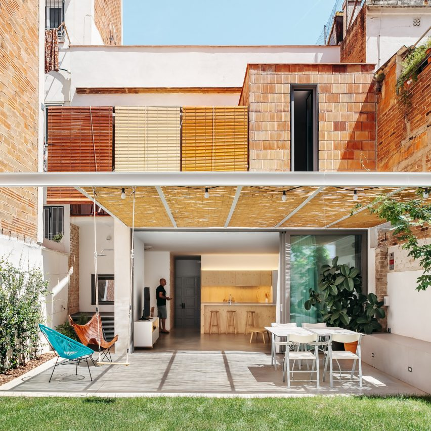 TAAB6 uncovers and restores original features in Barcelona townhouse renovation