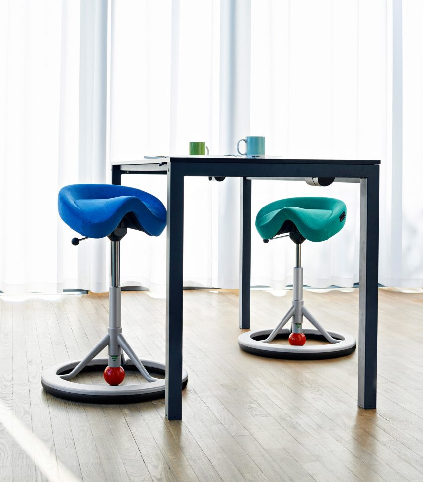 Healthy office furniture Stockholm Back App chair by Back App
