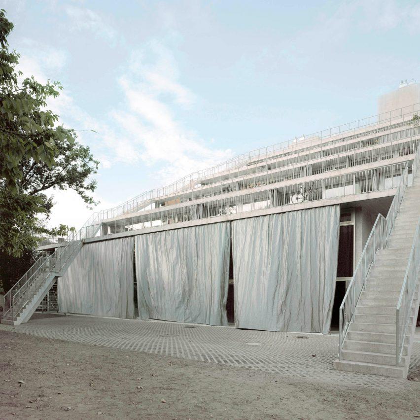 Stepped concrete facade of Berlin's Terrassenhaus creates communal spaces