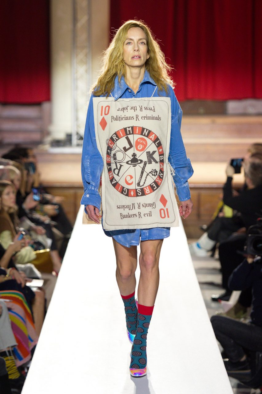 buy online e6fdb 9c75a Vivienne Westwood protests climate change with Homo Loquax ...