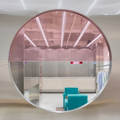 Stainless steel partition frames Wellsky fashion boutique by Xian Xiang Design