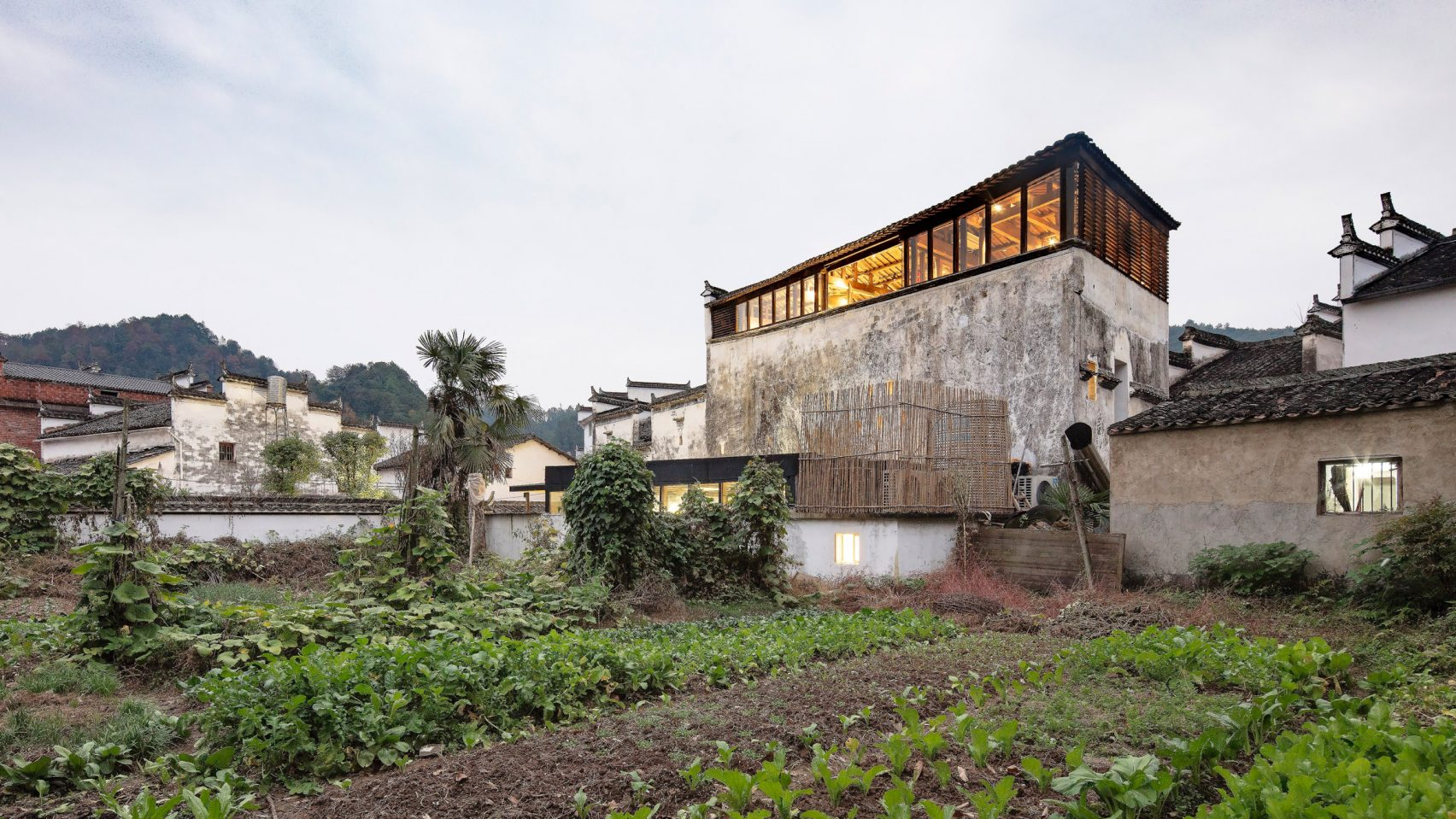 300-летний отель в китайской деревне