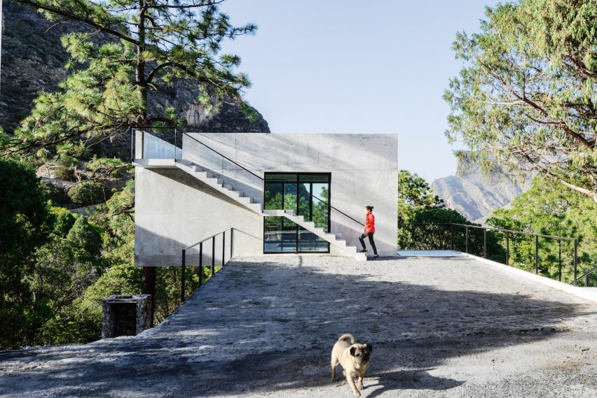 Casa 2I4E by P+0 Arquitectur