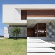 Casa IF b Martins Lucena Architects