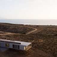 Dock House by SAA Arquitectura + Territorio