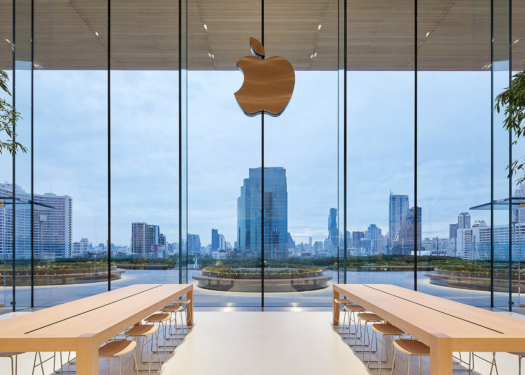 Apple Iconsiam by Foster + Partners