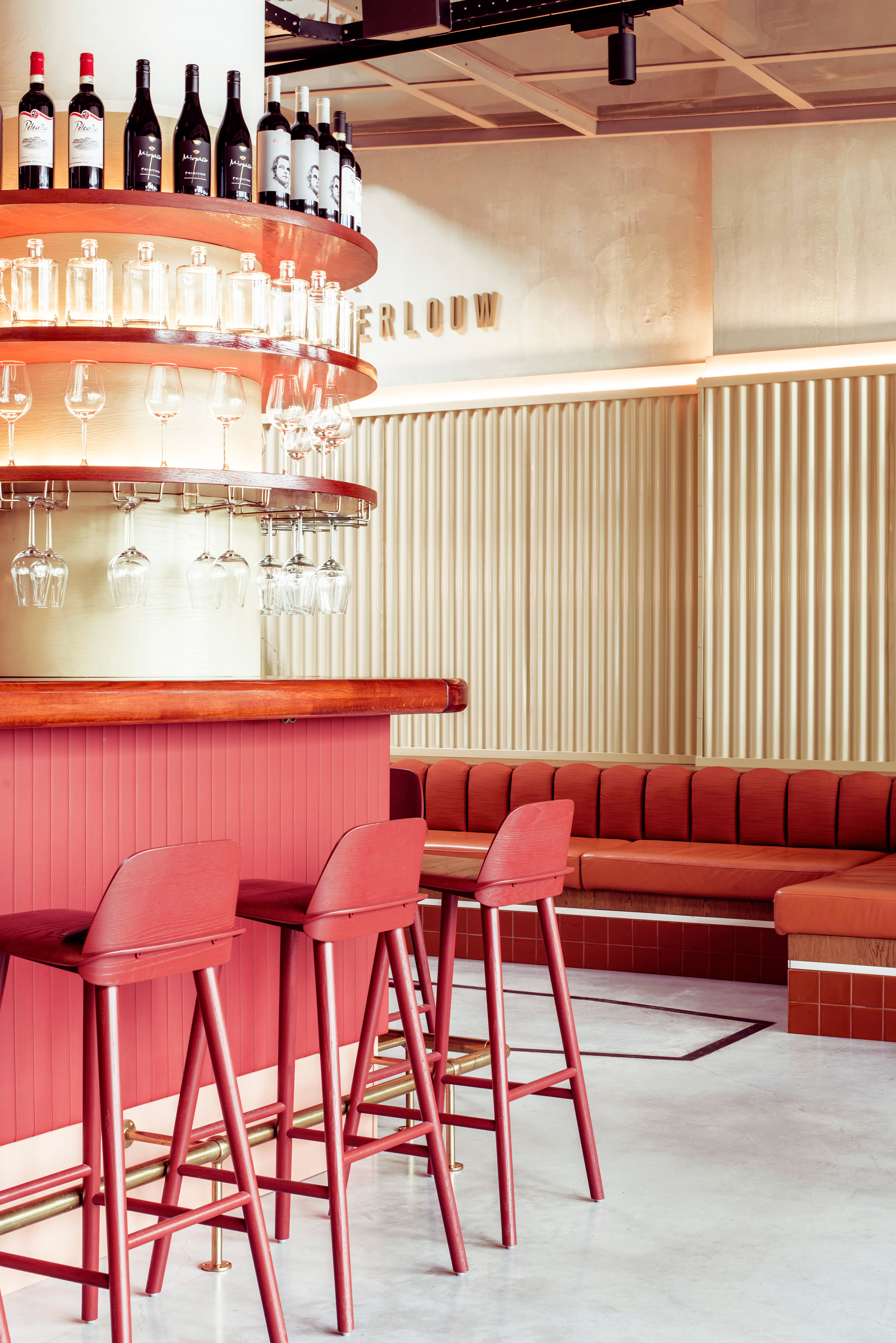 Interiors of Garage Pompen & Verlouw restaurant by Studio 34 South