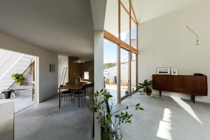 House in Sonobe by Tato Architects