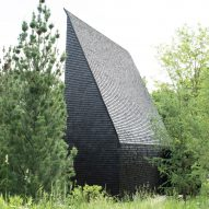 Tar-coated shingles cover Hudson Valley cottages by Thomas Phifer and Partners