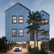 Caleb Johnson elevates In the Dunes home above beachfront site in Maine