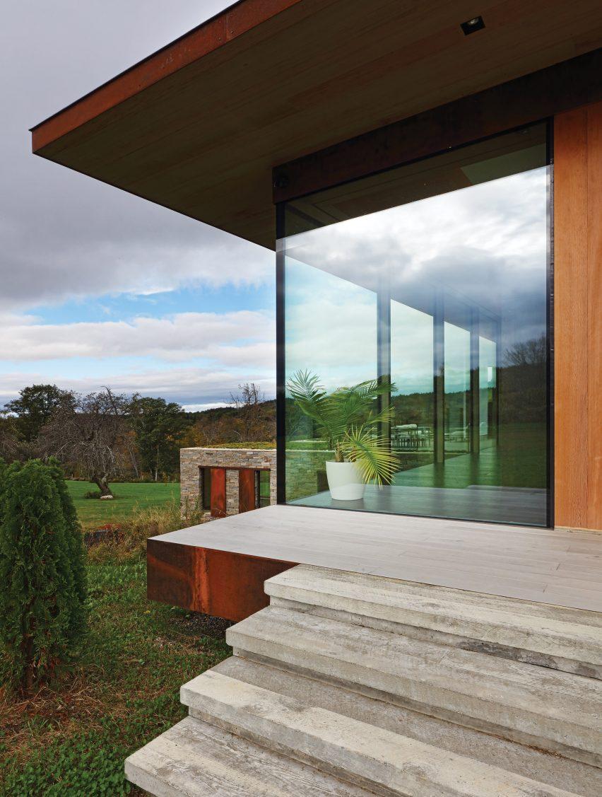Link Farm House by Slade
