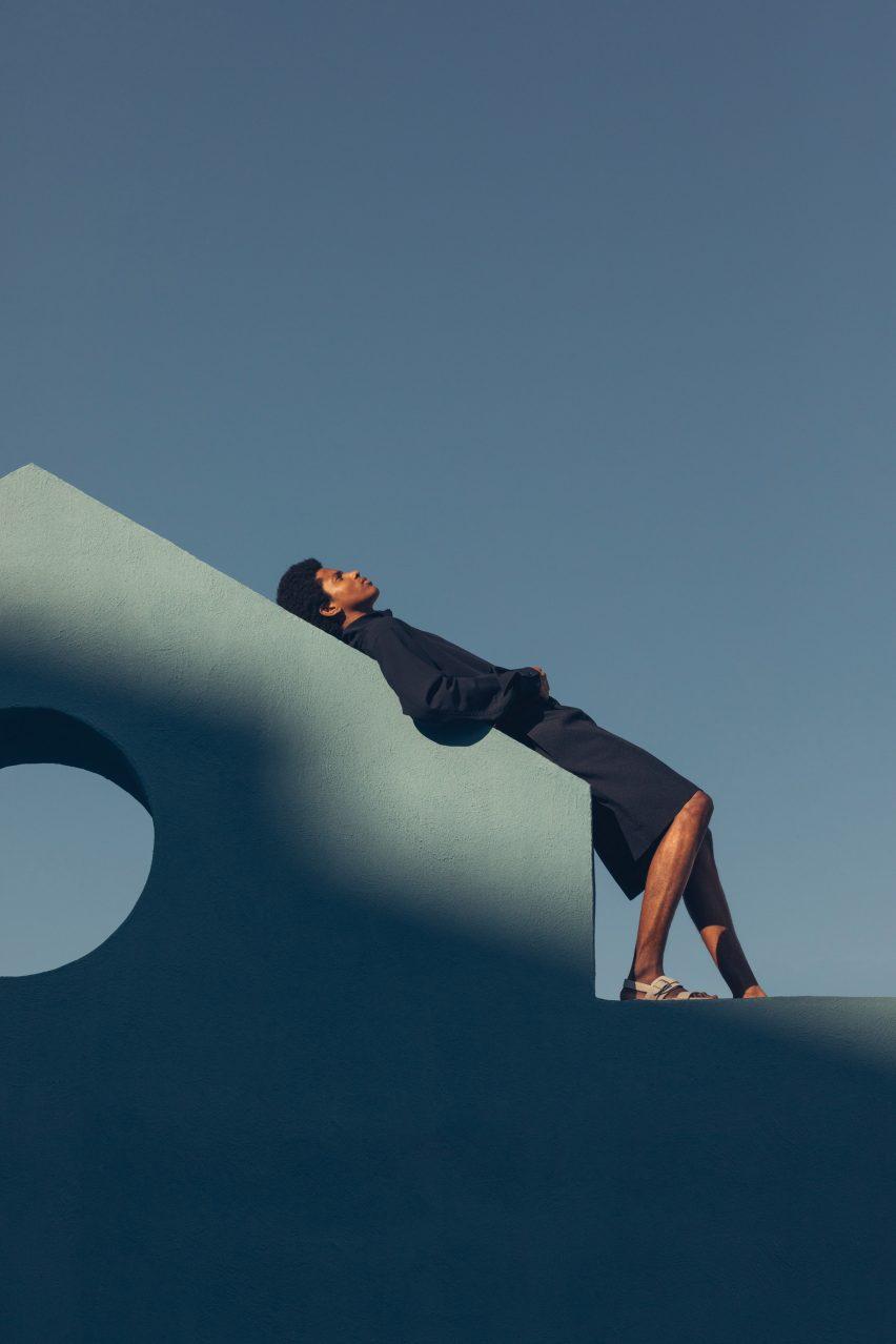 Lucid Dreams, editorial de moda al estilo de Luis Barragán, de Romain Laprade