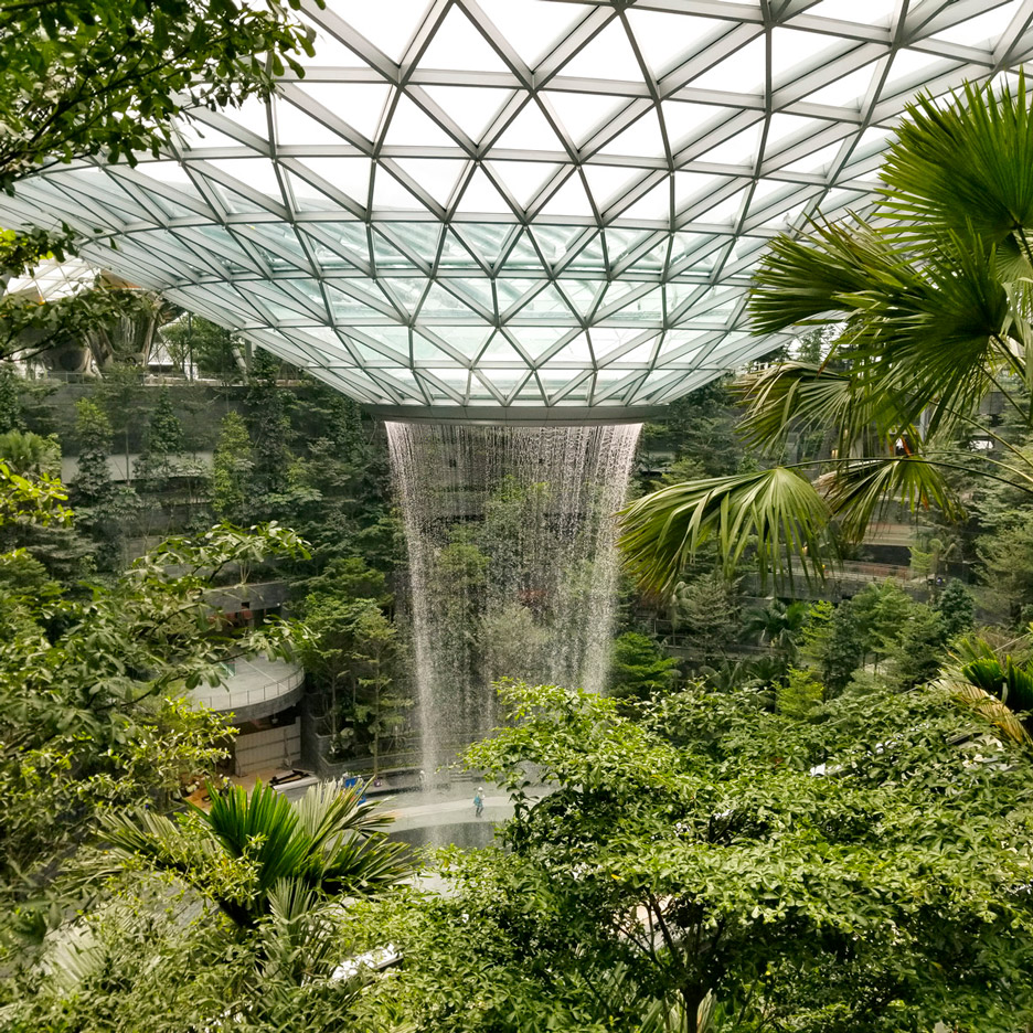 Waterfall architecture: World's tallest indoor waterfall in Moshe Safdie's Changi airport