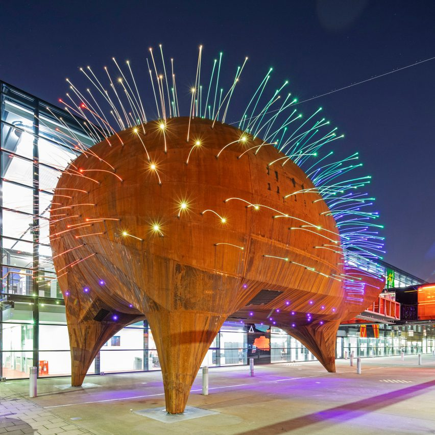 Will Alsop's Neuron Pod education centre opens at Centre of the Cell