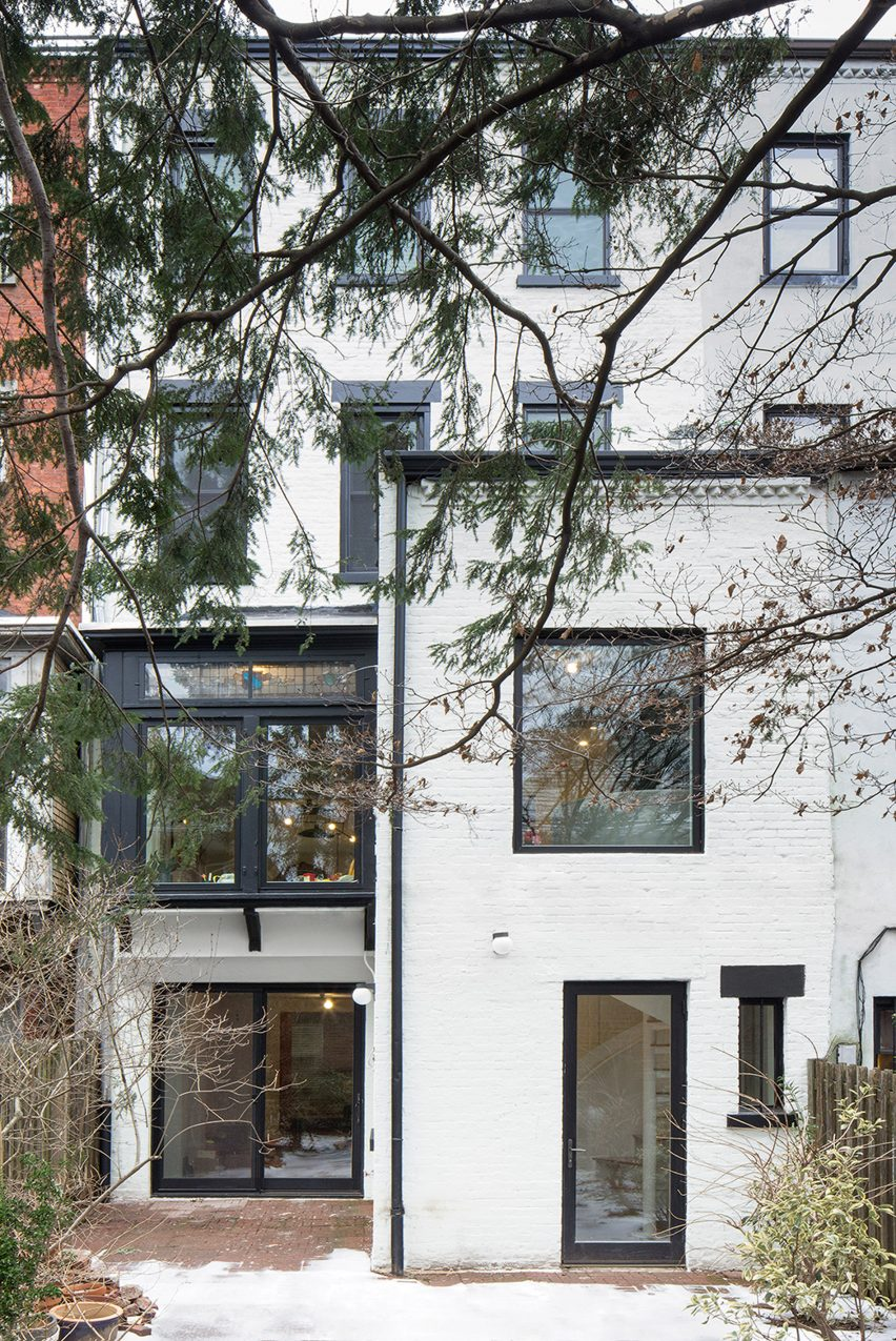 Prospect Lefferts Garden Townhouse by GRT Architects