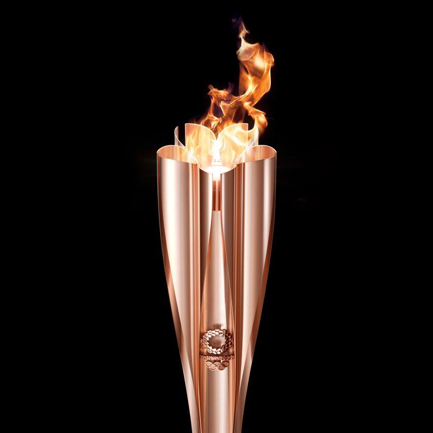 Tokyo 2020 Olympic torch Tokujin Yoshioka aluminium