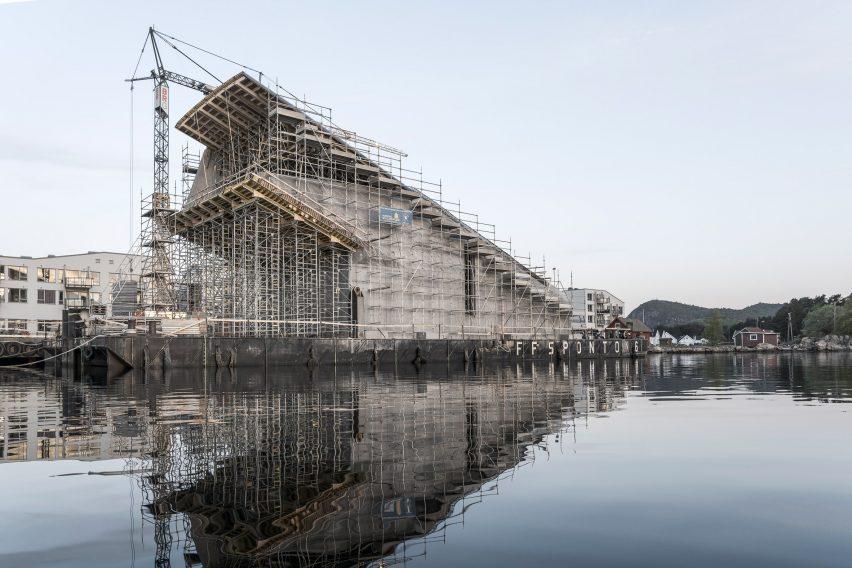 Construction photo of underwater restaurant Under by Snøhetta in Båly, Norway